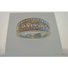 Ladies Gold Diamond Ring
